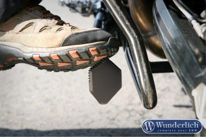 Side stand enlarger for low suspension