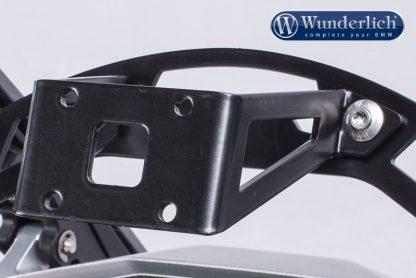 Navigation holder for screen reinforcement